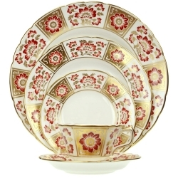 Royal Crown Derby Derby Panel Red