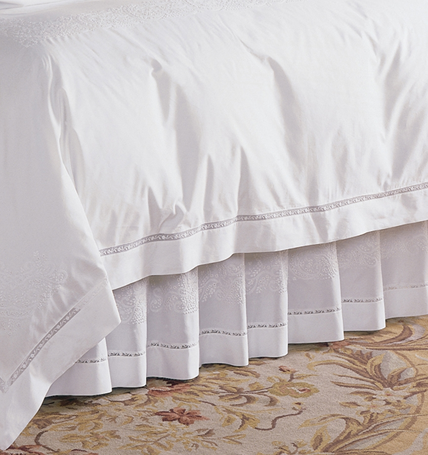 California King Bed Skirt.Sferra Francesca White Cal King Bed Skirt 72x84 X15