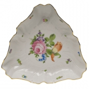 "Printemps TRIANGLE DISH  9.5""L"